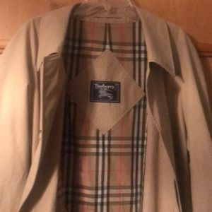 Burberry Mens 46R Nov Check lined trench coat